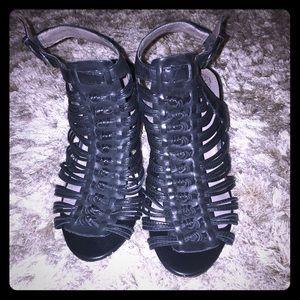 Vince Camuto black leather strap sandals